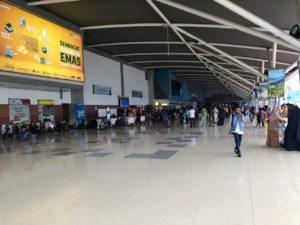 マカッサル空港搭乗口